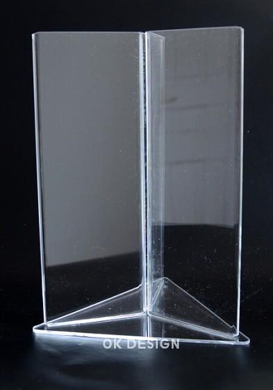 plastový stojan