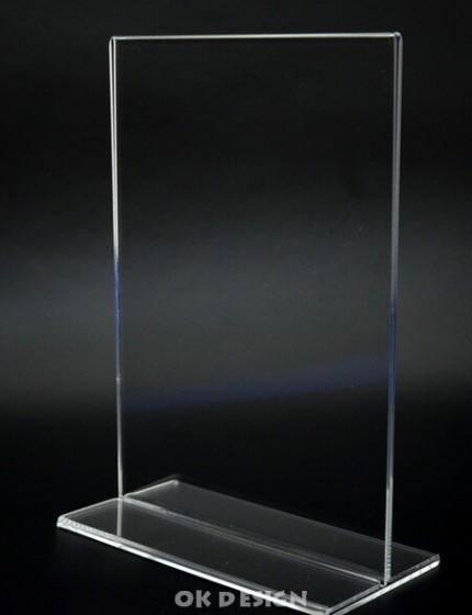 plastový stojánek